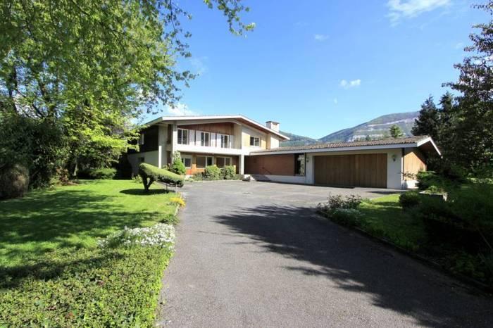 Annonces immobilier vendre en suisse maison 13 pi ces for Acheter maison france voisine geneve