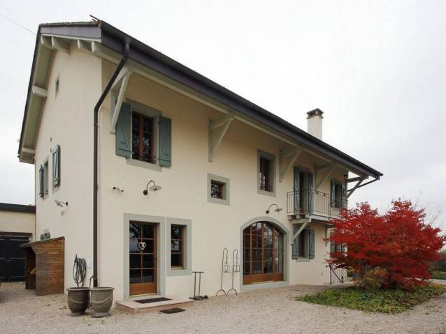 Annonces immobilier vendre en suisse maison 9 pi ces gy for Acheter une maison en suisse