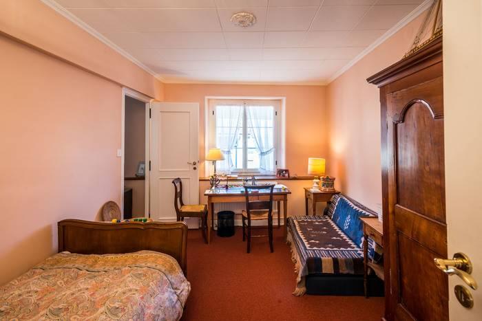 Annonces immobilier vendre en suisse maison 9 pi ces for Acheter chambre a coucher