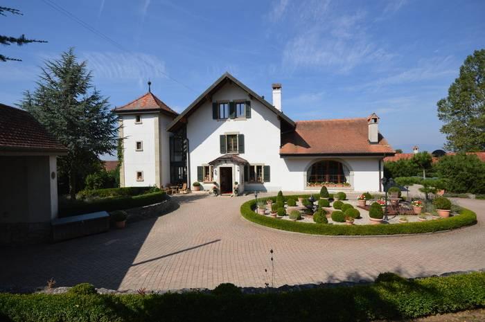 Annonces immobilier vendre en suisse maison 10 pi ces for Acheter louer fr maison